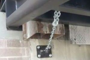 dock-to-ground-ramp-chains
