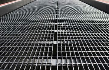 Copperloy® grating for yard ramps